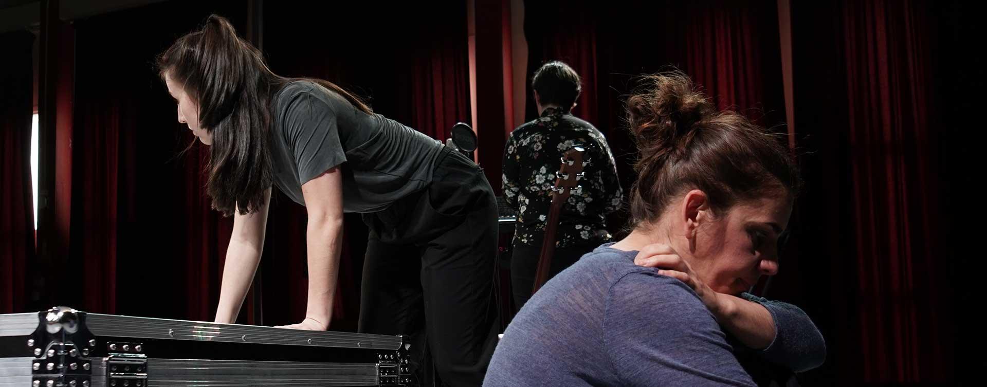 actrices de la obra de teatro liberto